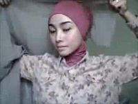 tutorial cara memakai jilbab segi empat terbaru 2014 - Unduh, Putar ...